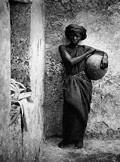 Denna bild har ett alt-attribut som är tomt. Dess filnamn är servant_or_slave_woman_in_mogadishu.jpg